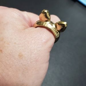 Gold tone kitty ears ring